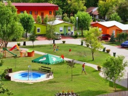 Chatová osada FAMILY RESORT Patince (Pat)