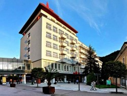 Gyógyfürdő Trencsénteplicz - PAX Gyógyház  Trenčianske Teplice (Trencsénteplic)