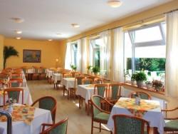 Reštaurácia Horský Hotel REMATA *** Ráztočno