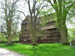 Drevený artikulárny kostol Hronsek Hronsek