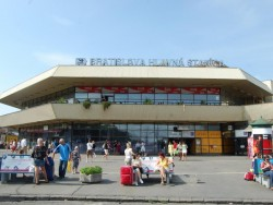 Železničná stanica Bratislava - Hlavná stanica Bratislava