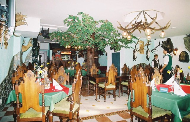 HUBERT VARGA Restaurant & Pension #9