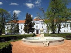 Hotel KASTIEL MOJMIROVCE Mojmírovce (Urmin)