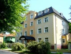 Hotel GRAND Nové Zámky (Neuhäuse)