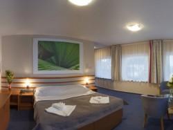 AIR Hotel #12