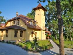 FLORIAN, Pension & Restaurant Vrakúň (Nyékvárkony)