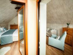 Horvát Family Residence #18
