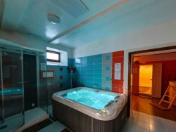 Hotel Avalanche #30