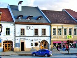 Hotel CIERNY OROL Rožňava