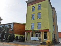 Hotel DASTAN Levice (Lewenz)