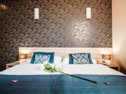 Hotel De LUXE #11