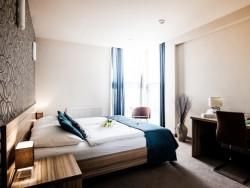 Hotel De LUXE #12
