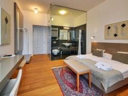 Hotel LEV #7