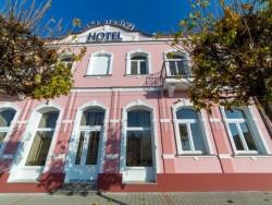 Hotel VILLA ROMAINE Šahy