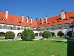 Hotel ZÁMOK Topoľčianky Topoľčianky