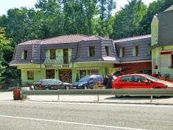 Motel NA VRCHU BABA Pezinok (Bazin)