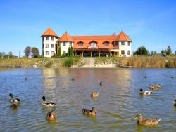 Pri Rybníku Panzió Veľká Paka (Nagypaka)