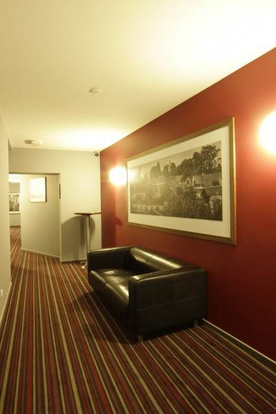 AIR Hotel #9