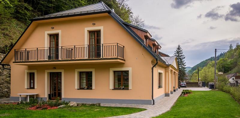 Appartement-Haus Weissov dom #2