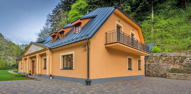 Appartement-Haus Weissov dom #1