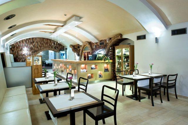 Boutique Hotel DUBNÁ SKALA #13