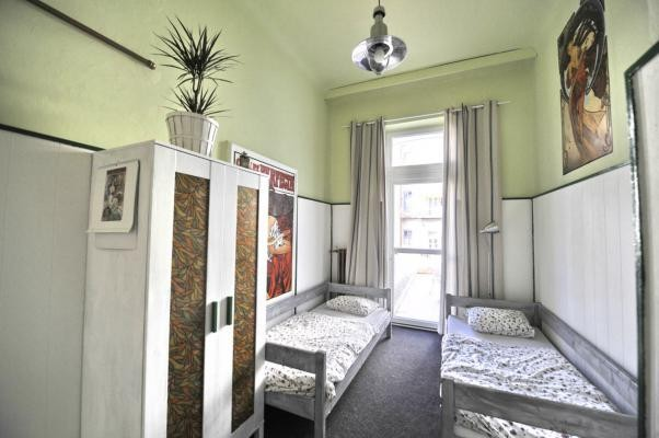 DOWNTOWN BACKPACKERS HOSTEL #4