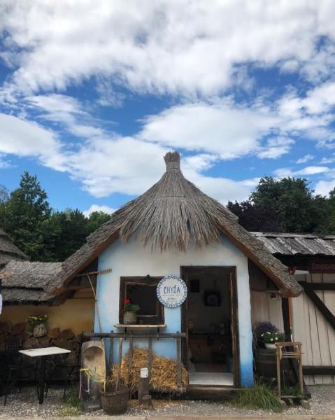 Folklórna chyža vedľa Bojnického zámku #3