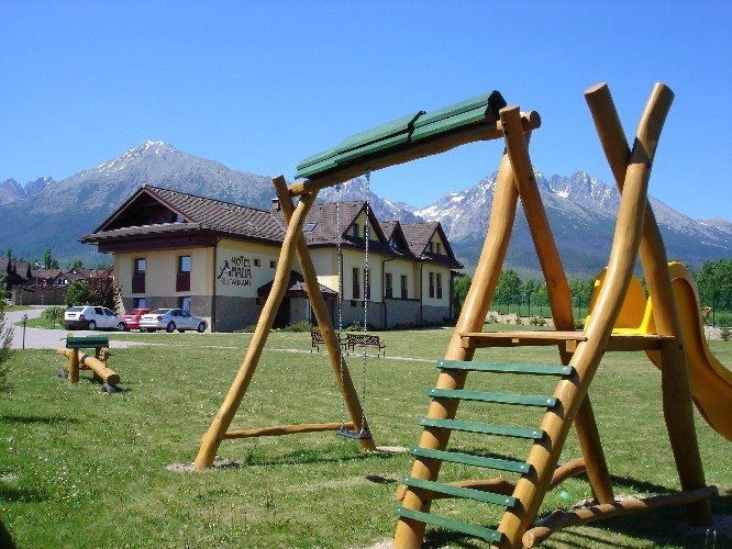 Spring stay in the High Tatras with swimming pool and saunas #12