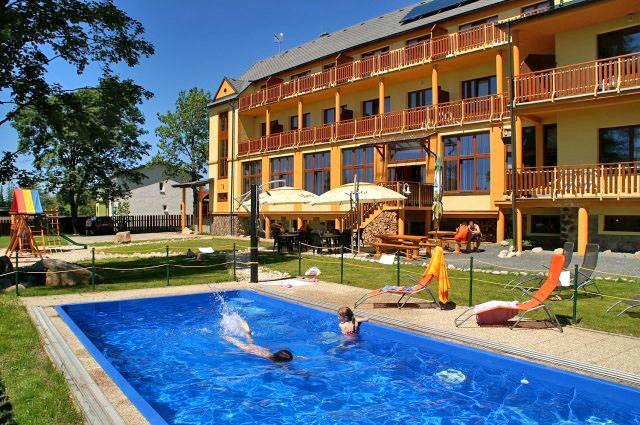 Letný pobyt vo Vysokých Tatrách s vonkajším bazénom, saunami a vírivkou #5