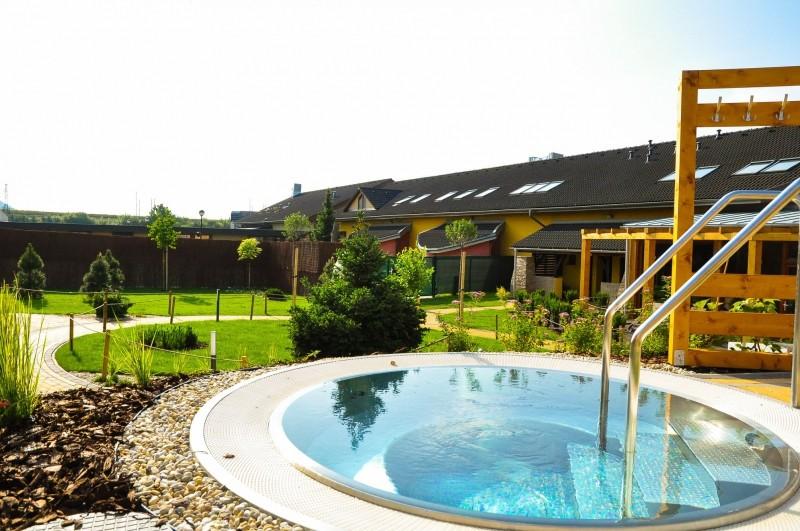 Jesenné prázdniny 2019 vo Vodnom parku Bešeňová so vstupom do bazénov a saunového sveta #35