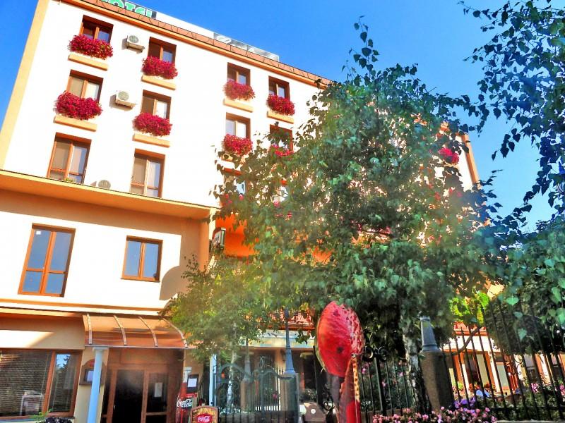 Hotel CENTRÁL Zibak Company #1