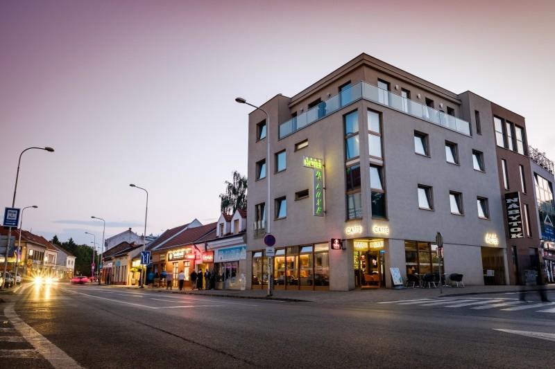 Hotel De LUXE #22