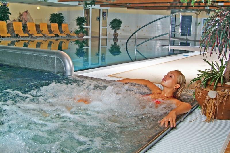 Predsilvestrovský pobyt s masážou a vstupom do bazénov a saunového sveta #14