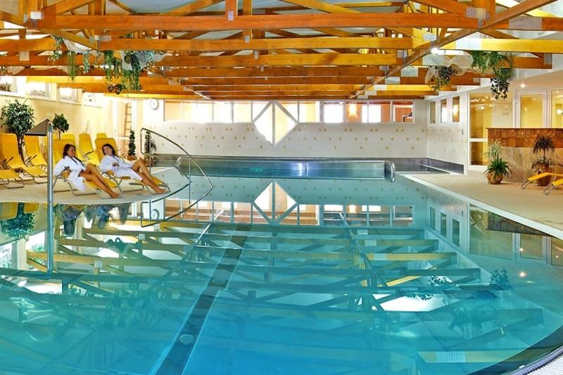 Predsilvestrovský pobyt s masážou a vstupom do bazénov a saunového sveta #2