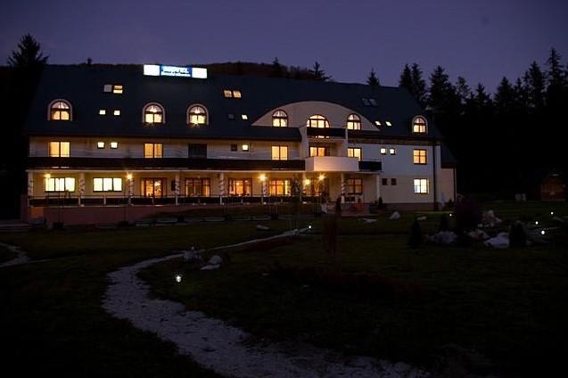 Letný pobyt v Hoteli Garden s polpenziou, vonkajším bazénom a dieťaťom zdarma #7