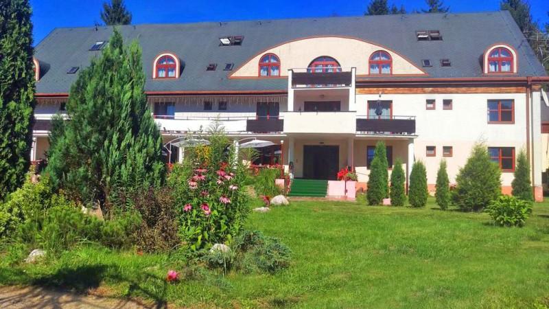 Letný pobyt v Hoteli Garden s polpenziou, vonkajším bazénom a dieťaťom zdarma #8