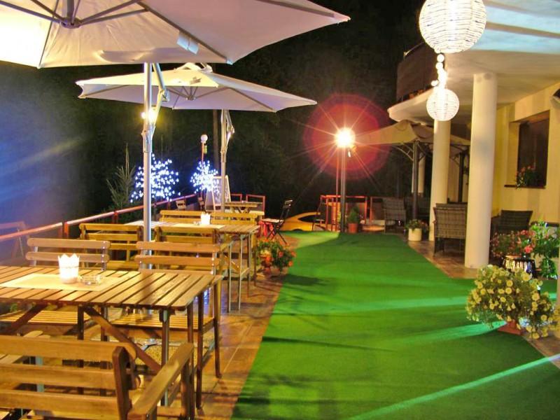Letný pobyt v Hoteli Garden s polpenziou, vonkajším bazénom a dieťaťom zdarma #9