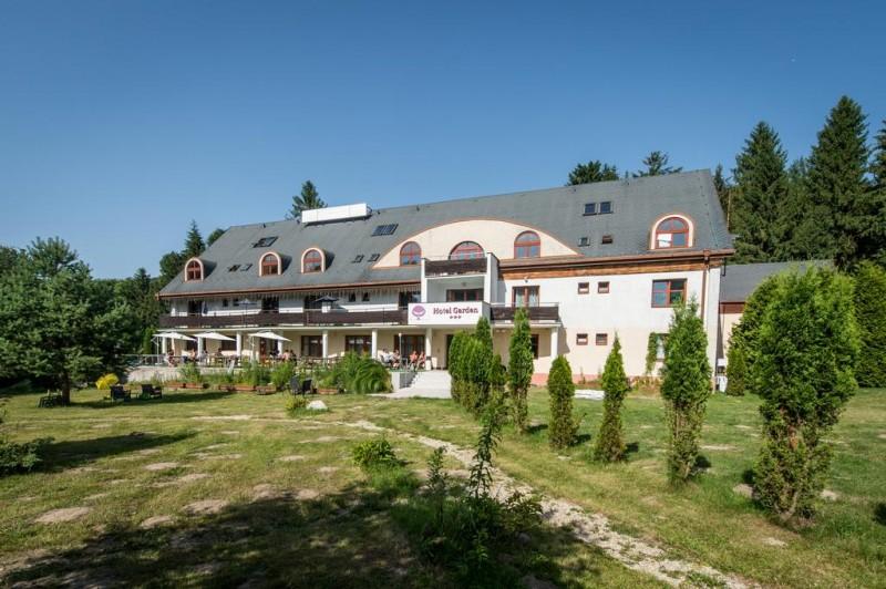 Letný pobyt v Hoteli Garden s polpenziou, vonkajším bazénom a dieťaťom zdarma #2