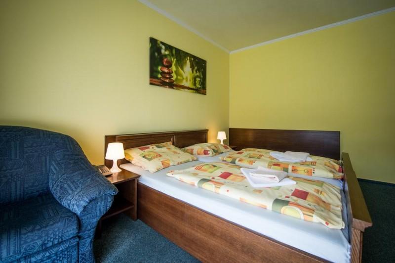 Letný pobyt v Hoteli Garden s polpenziou, vonkajším bazénom a dieťaťom zdarma #11