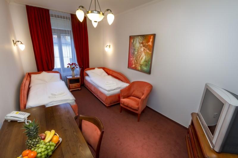 Hotel GRAND #14