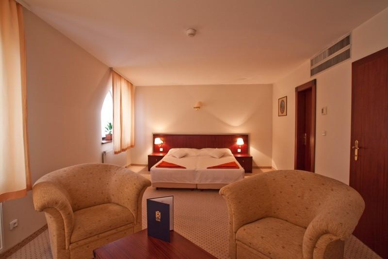 Hotel KULTÚRA #8