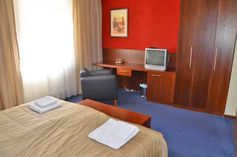 Hotel LONDON #8