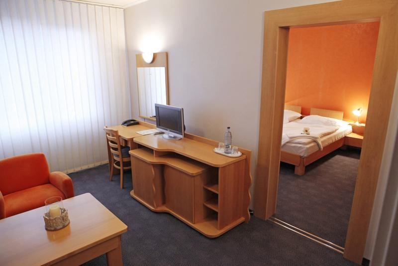 Hotel LUNA #2