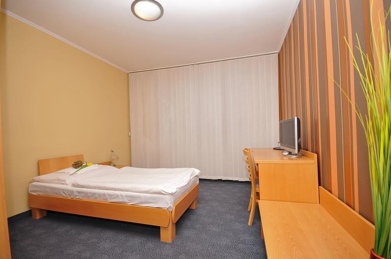 Hotel LUNA #9