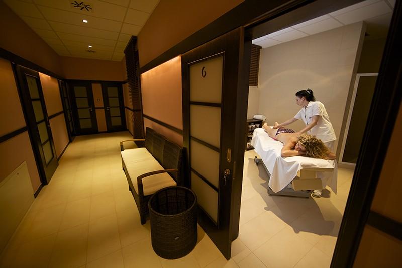 Wellness pobyt s masážou a neobmedzeným vstupom do Aquaparku Senec a SAI Wellness #12