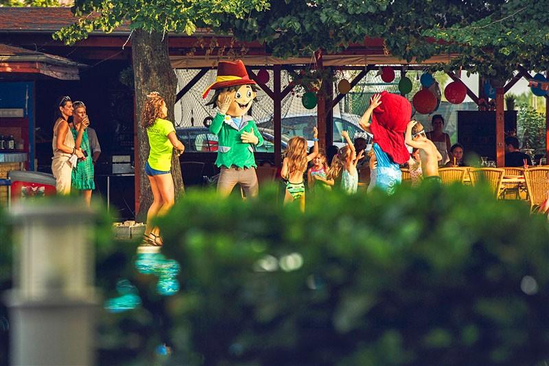 Wellness pobyt s masážou a neobmedzeným vstupom do Aquaparku Senec a SAI Wellness #39