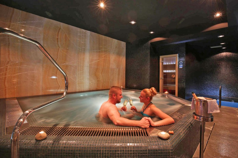 DELUXE wellness break with massage for couples  #49