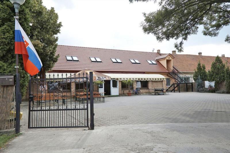 KALVÍN Restaurant & Pension #2