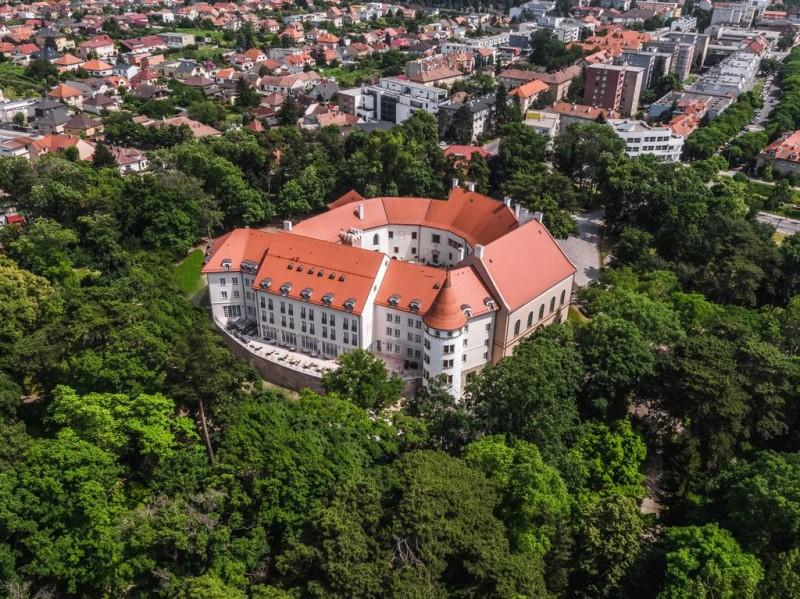 Veľkonočný rodinný wellness pobyt v zámockom hoteli #2