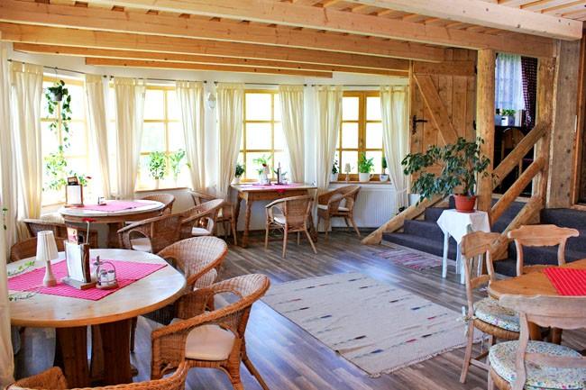 Penzión & Reštaurácia GAZDOVSKÝ DVOR #13